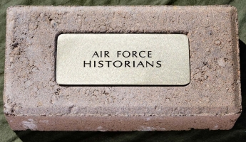 571 - Air Force Historians